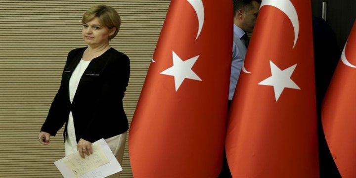 CHP'li Böke Saçmaladı, Haber Kanalları Yayını Kesti