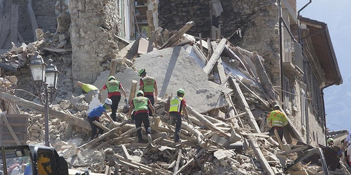 İtalya'da Deprem: Hayatını Kaybedenlerin Sayısı 159'a Yükseldi