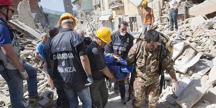İtalya'da Deprem: Hayatını Kaybedenlerin Sayısı 267'ye Yükseldi