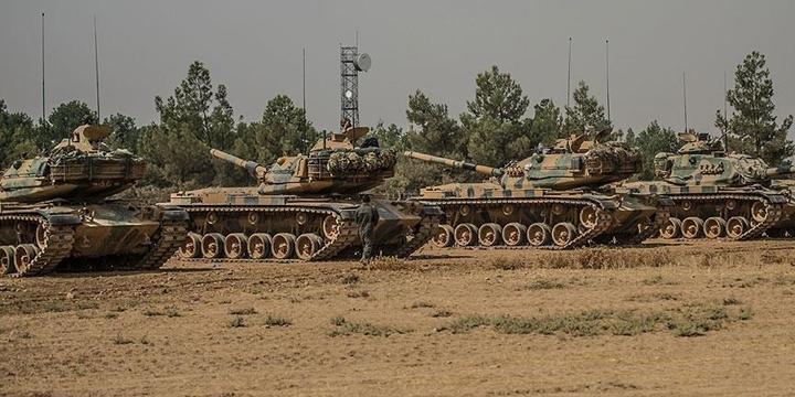 Sınır Hattı Tanklarla Takviye Ediliyor