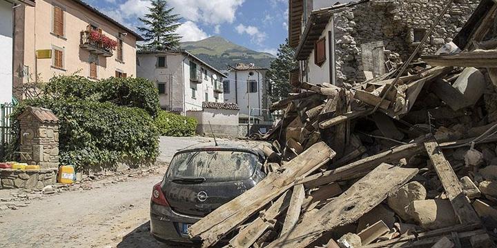 İtalya'da Deprem: Yaşamını Yitirenlerin Sayısı 290'a Ulaştı