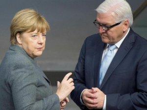 Steinmeier: Türkiye'ye Gitmeliydik