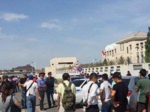 Kırgızistan'da Çin Büyükelçiliği'ne Saldırı