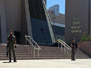 İzmir'de 40 Emniyet Mensubu Tutuklandı