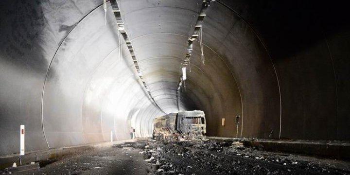 PKK, Bitlis- Diyarbakır Tünellerinde 7 Tır Yaktı