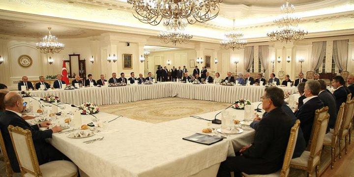 Başbakan Yıldırım AK Parti'li Eski Bakanlarla Buluştu