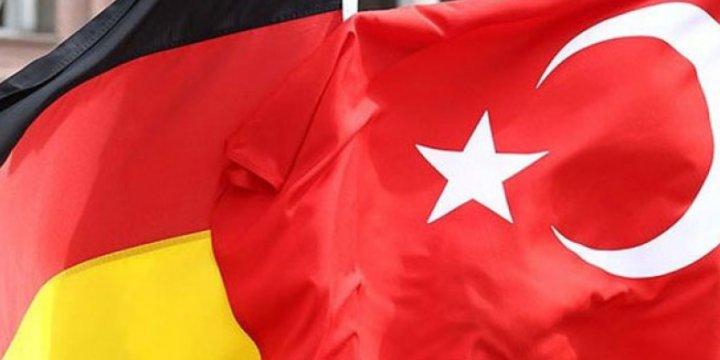 Almanya'da Gülenci Firmaları Boykot Edenler 'Kışkırtıcılık'la Suçlanıyor!