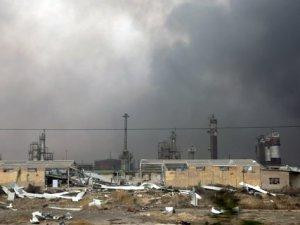 Irak Petrolü Cadde ve Sokaklarda Yanıyor