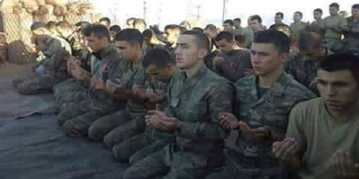 TSK Birlikleri Direnişçilerle Beraber Namaz Kılıp Operasyona Çıktı!