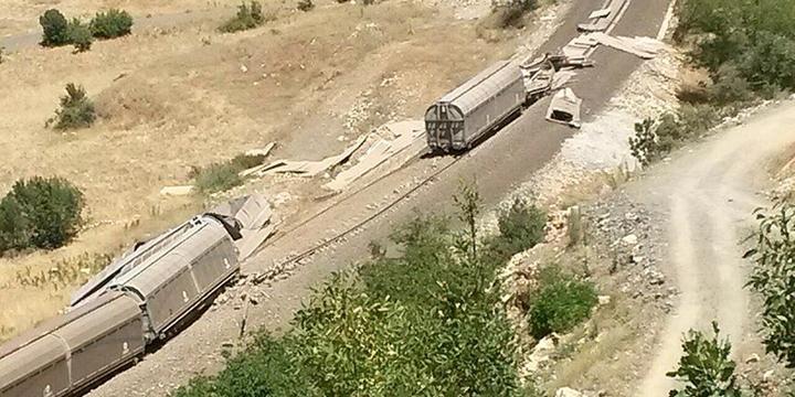 Muş'ta Yük Trenine Saldırı Düzenlendi!
