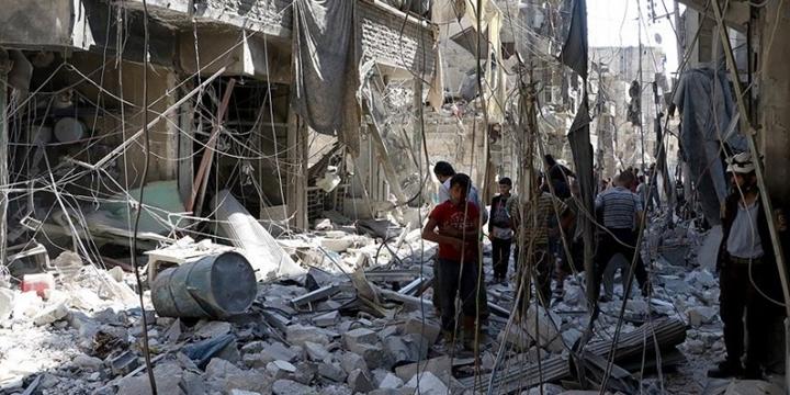 Rusya Halep'te Sivilleri Vurdu: 10 Sivil Hayatını Kaybetti!