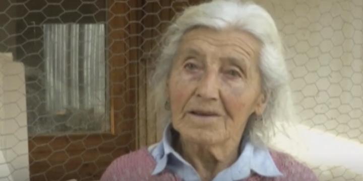Bisikletle Yumurta Satan 90 Yaşında Bir Kadın