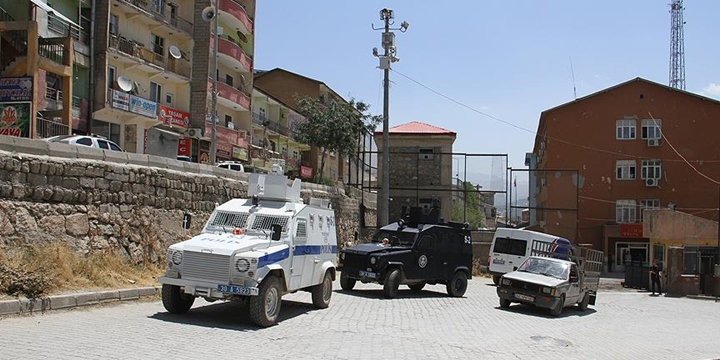 Şemdinli'de Sokağa Çıkma Yasağı İlan Edildi