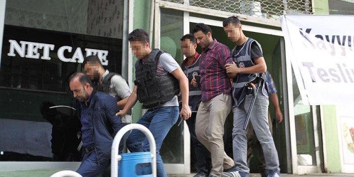 Hakkari'de Görevlendirme Protestosuna 27 Gözaltı