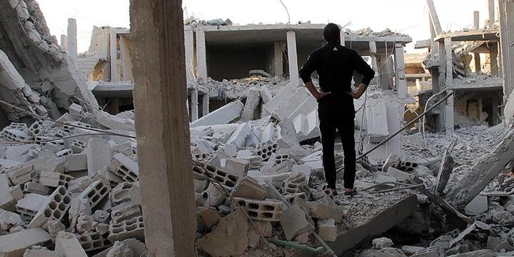 Esed Rejimi Varil Bombasıyla Saldırdı: 8 Sivil Hayatını Kaybetti!
