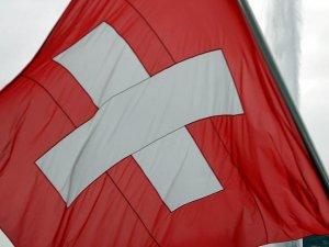 İsviçre'de Müslüman Öğrencilere Tokalaşma Zorunluluğu