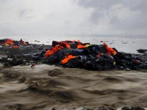 Mısır'da 600 Kişiyi Taşıyan Göçmen Teknesi Battı