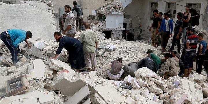 Rusya Halep'te Yine Sivilleri Vurdu: 6 Kişi Yaşamını Yitirdi!