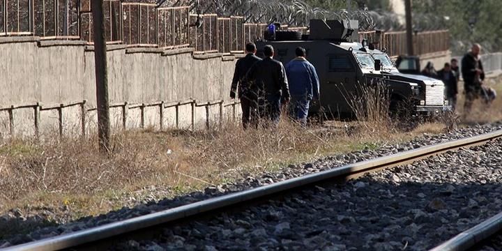 Van'ın Saray İlçesinde Yük Trenine PKK Saldırısı!