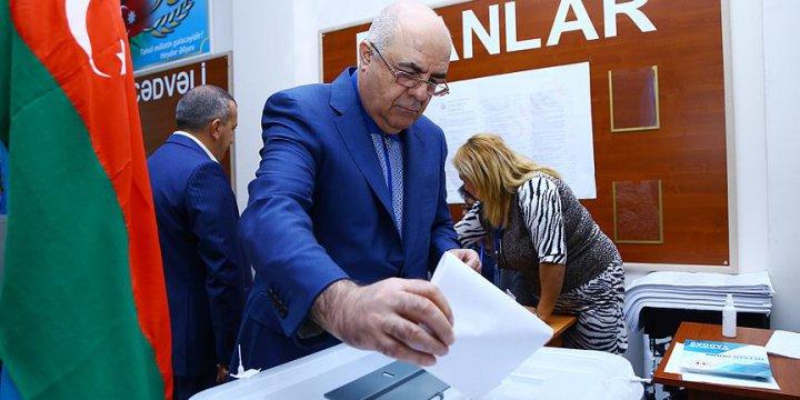 Azerbaycan Anayasa Değişikliğine 'Evet' Dedi