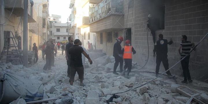 Esed Güçleri Vakum Bombasıyla Saldırdı: 20 Kişi Hayatını Kaybetti!