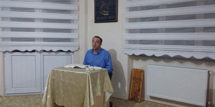 """Sivas Özgür-Der'de """"Vahyin Aydınlığında Hadislerle Hayat Dersleri"""""""