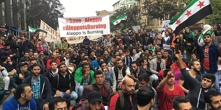 Halep'teki Katliamlar Berlin'de Protesto Edildi