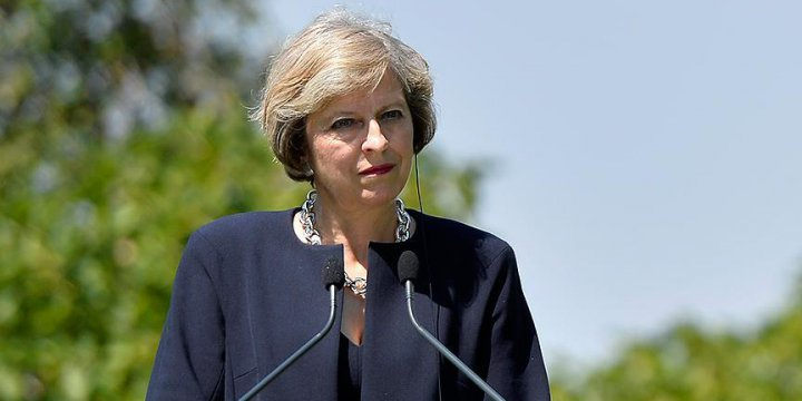 İngiltere Başbakanı May: Britanya AB'den Ayrılacak