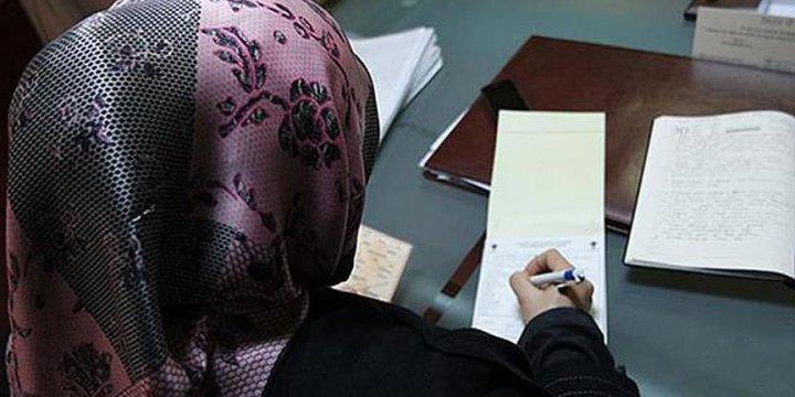Başörtüsünü Çıkarmayan Öğrencisini Sınavdan Attı