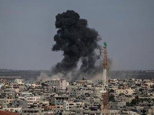 Siyonist İsrail Gazze'ye Hava Saldırısı Düzenledi