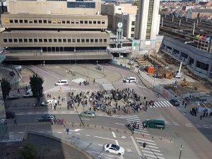 Brüksel'de Polise Saldırı
