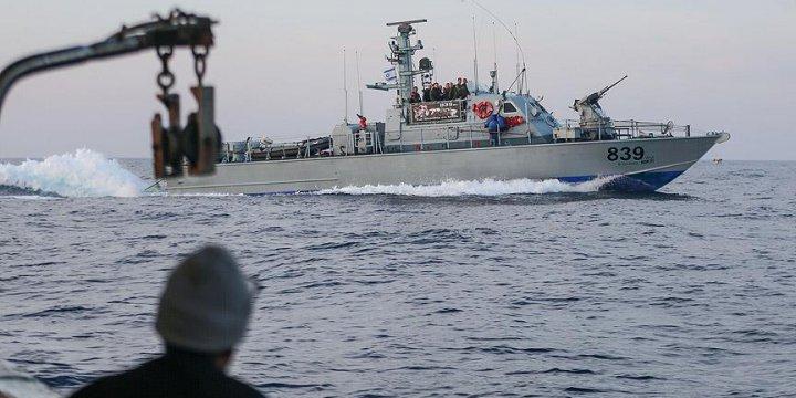 Siyonist İsrail Ordusundan Kadın Eylemcileri Taşıyan Gemiye Saldırı