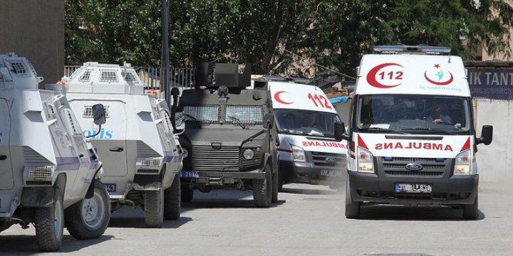 Hakkâri'deki Karakola Bombalı Saldırıda 8 Asker Hayatını Kaybetti