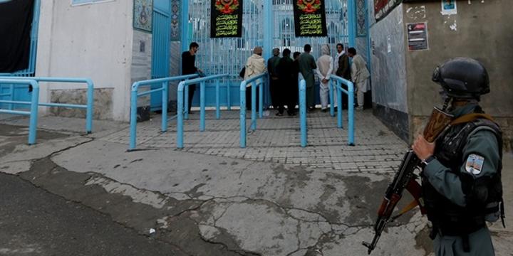 Afganistan'da Türbeye Saldırı: 14 Kişi Hayatını Kaybetti