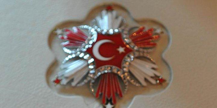 Devlet Nişanlarında Atatürk'ün Olmamasına Danıştay'dan İptal