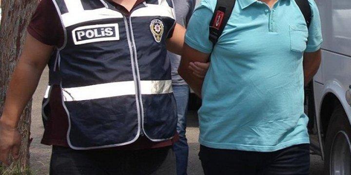 Uşak'ta Altı Akademisyen Gözaltına Alındı