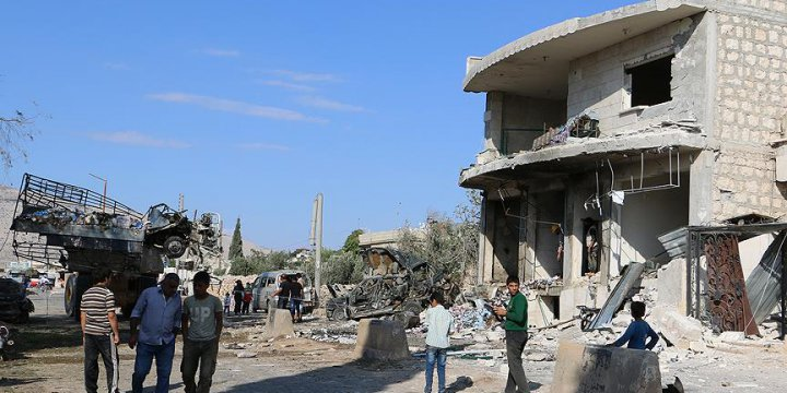 Rus Jetleri İdlib'te Yerleşim Yerine Saldırdı: 11 Ölü