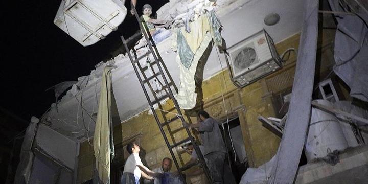 Rusya ve Esed Güçleri Halep'te 49 Sivili Daha Katletti!