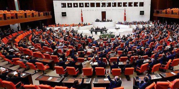 Başkanlık Sistemi Meclis'e Sunuluyor