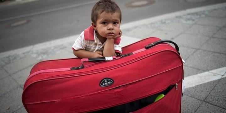 """""""İtalya'ya Refakatsiz 20 Bin Mülteci Çocuk Ulaştı"""""""
