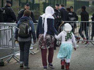 BM: Jungle Sığınmacı Kampından 200 Çocuk İngiltere'ye Gönderildi