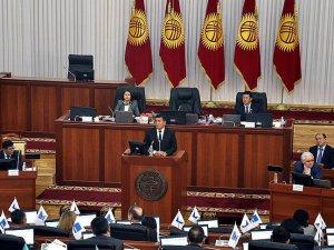 Kırgızistan'da Hükümet İstifa Etti