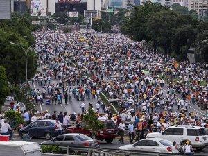 Venezuela'da Maduro'ya Karşı Geniş Katılımlı Gösteriler