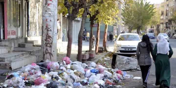Diyarbakır Valisinden HDP'li Belediyelere Çöpleri Toplayın Uyarısı