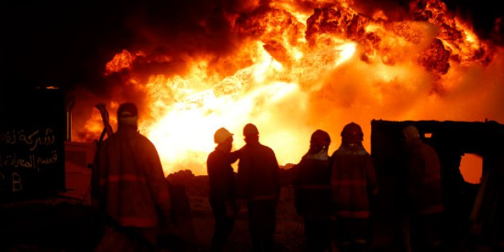 Musul'da Petrol Kuyuları Yanıyor