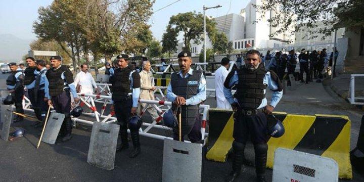 Pakistan'da Gözaltındaki Yaklaşık 2 Bin Muhalif Serbest