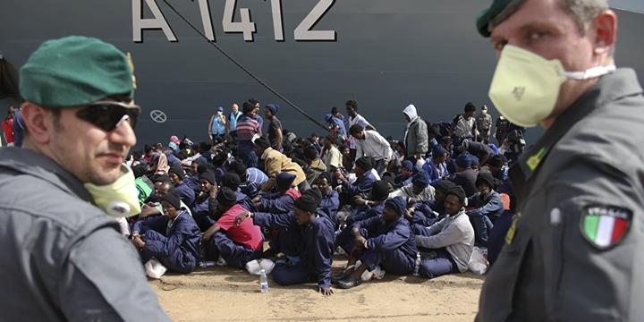 """""""Mülteciler İtalya'da Kötü Muameleye Maruz Kalıyor"""""""