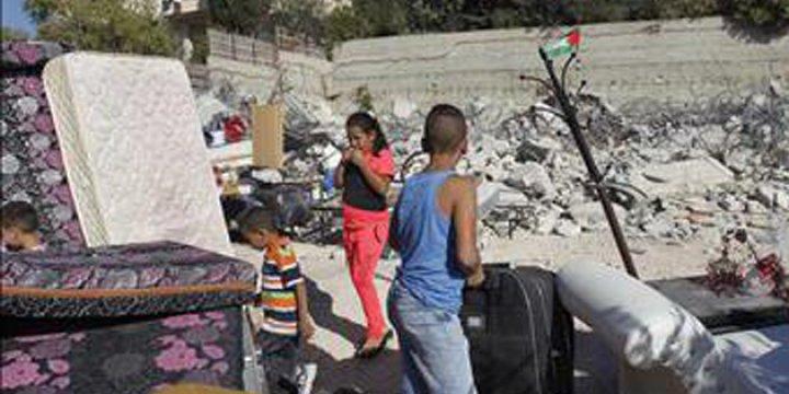 Siyonist İsrail Güçleri Sosyal Etkinlik Merkezini Yıktı