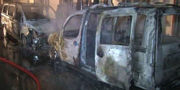 İstanbul'da Yine Araçlar Kundaklandı
