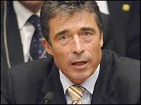Rasmusseni Uyardı: Libya, Irak Olmasın